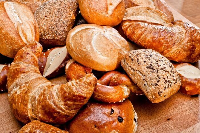 Brötchen, Croissants und Brezeln