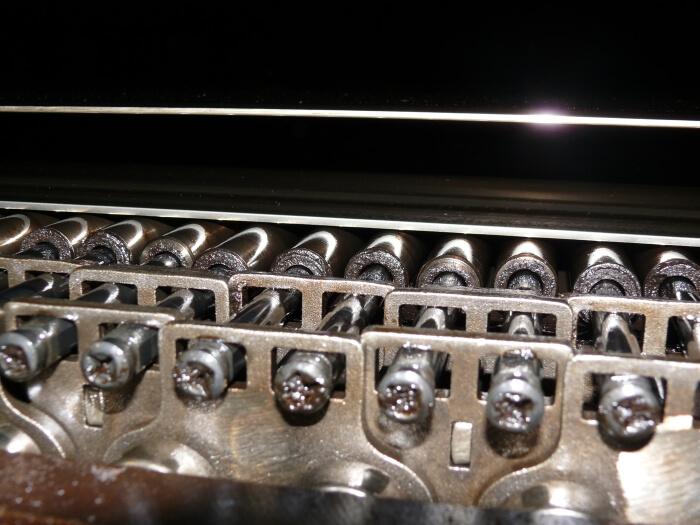Ketten- und Rollstabsystem in einer MDF-Produktion