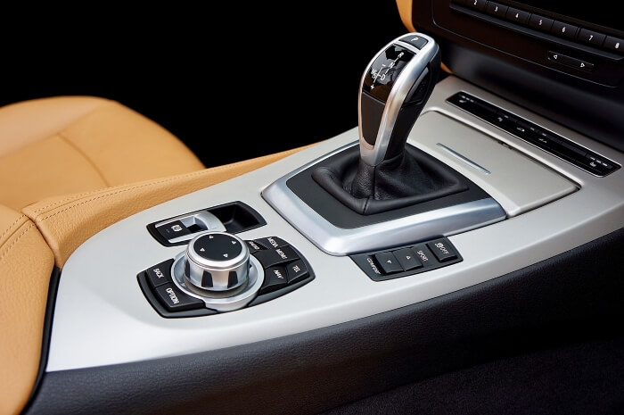 Schaltung Automatik im Auto