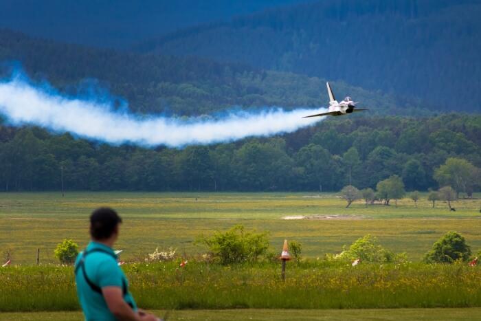 Weißöl wird in Modellflugzeugen als Rauchöl verwendet